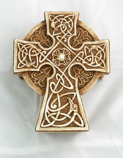 "Antiqued Celtic Cross Box 3.25X4.25X2"""